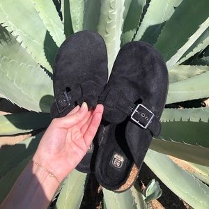 Vintage fuzzy black clogs